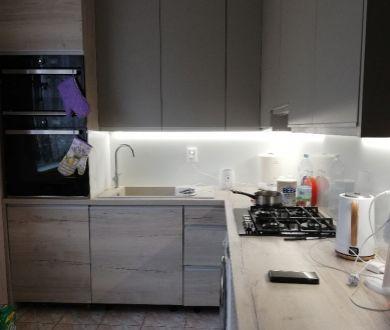 Ponúkame na predaj veľmi pekný 3 izbový byt, s výmerou 71 m2 v Ilave.