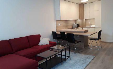 Ponúkame na prenájom 2 izbový byt v novostavbe Stein - s vlastným uzatvoreným vnútroblokom na Bernolákovej ulici, BA I.