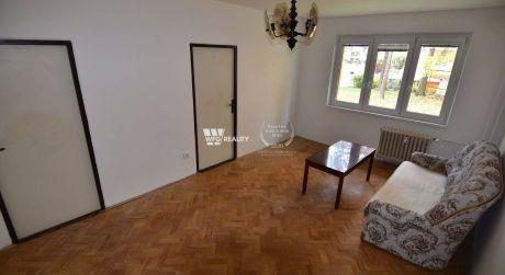 rezervované - 3 izbový bezbariérový byt, top lokalita - Hliny VII
