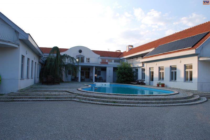 Hotel-Predaj-Vlčany-1400000.00 €