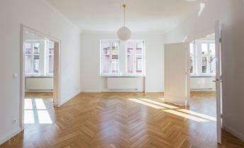 Novozrekonštruovaný 4-izbový byt v centre Bratislavy – Heydukova ul.