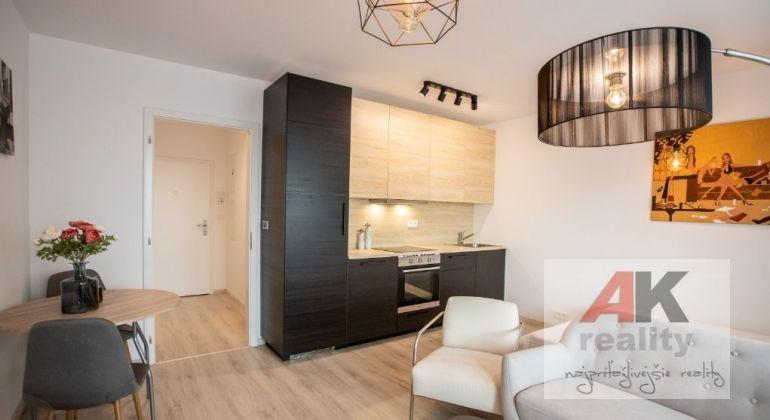 Predaj 1 izbový apartmán Bratislava-Rača, Malokrasňanská ulica