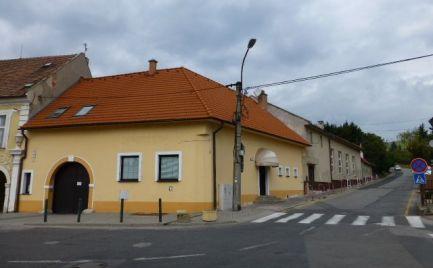 Na predaj objekty známeho hostinca v Rači, vhodné aj na vybudovanie penziónu alebo sídla firmy.