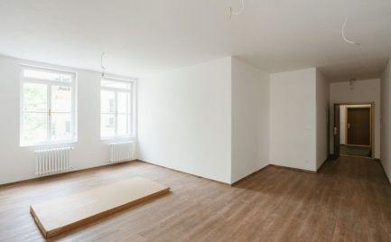 Na predaj úplne nový, klimatizovaný 2i byt s balkónom a dvojročnou zárukou v Starom meste.