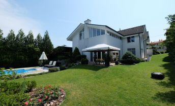 6-izbový rodinný dom s bazénom a veľkou záhradou