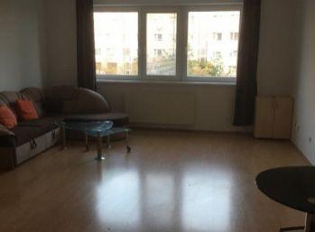 Priestranný 1 izbový byt v Petržalke