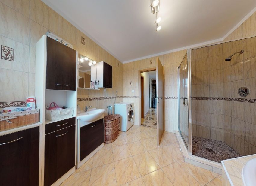 Pekný rodinný dom /4 izb. pozemok 813 m2/ Moravany nad Váhom