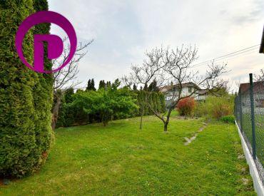 PREDANÉ - Pozemok, 677 m2 – BA – Podunajské Biskupice: IS na pozemku, ideálne aj pre sídlo firmy či SPOJENIE BÝVANIA S PODNIKANÍM, pokojná lokalita