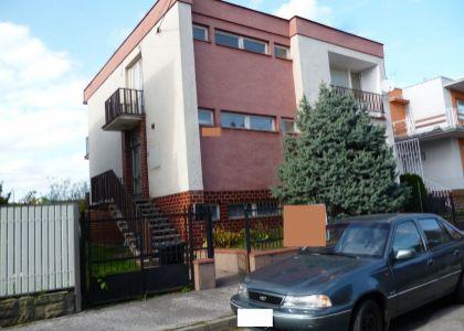 DOMUM –  pekný dvojgeneračný rodinný dom, podnikanie v N.Meste n.V.