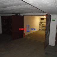 Samostatná garáž v garážovom objekte, Macharova ul.- Pifflova ul., 18 m2, elektrika