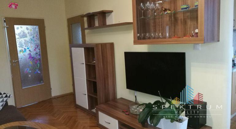 REZERVOVANÉ...Ponúkame vám na predaj 3,5 - izbový byt v  meste Partizánske, časť Malá Okružná