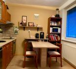 2 izbový byt  s dvomi balkónmi a garážou Rajčany