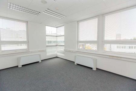 IMPEREAL - prenájom, kancelársky priestor 21,41 m2, 7. posch., Plynárenská ul., Bratislava