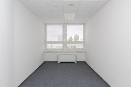 IMPEREAL - prenájom, kancelársky priestor 20,51 m2, 7. posch., Plynárenská ul., Bratislava