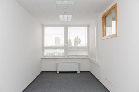 IMPEREAL - prenájom, kancelársky priestor 23,70 m2, 7. posch., Plynárenská ul., Bratislava
