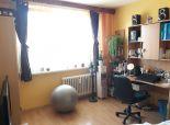Predaj 4 iz.bytu na Ondrejovovej v pôvodnom stave, 3 posch, balkón, 77 m2, v krásnom tichom prostredí.