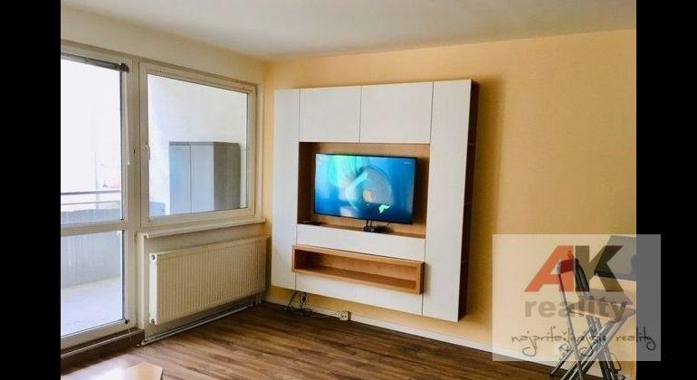 Prenájom 2 izbový byt Bratislava-Ružinov, Koceľova ulica