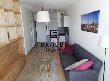 Prenájom 1,5 izb (44 m2) byt s garážou v novostavbe, Viladomy Slnečnice, Bratislava.