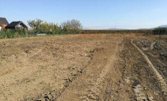 Lukratívny stavebný pozemok 675 m2 v tichej lokalite Lužianok.
