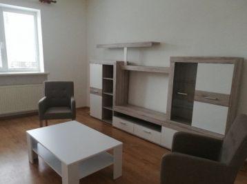 Veľký 2 izbový byt