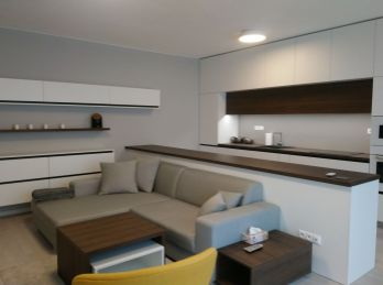 BA I. Luxusný 2 izbový byt na Jozefskej ulici