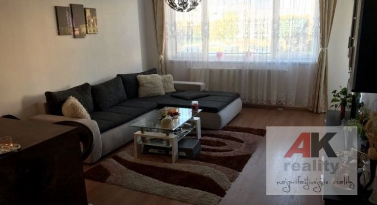 Predaj 2 izbový byt Bratislava-Petržalka, Budatínska ulica