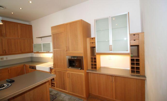 BA I., 5-izbový exkluzívny byt na Tolstého ulici pri Prezidentskom paláci