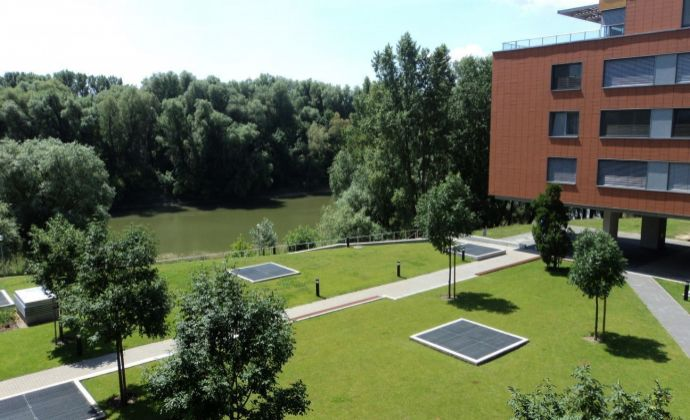 3-izb. byt s  loggiou a možnosťou parkovania - Karloveske rameno