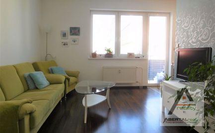 Rezervované - predaj 2 izbového bytu s loggiou s balkónom
