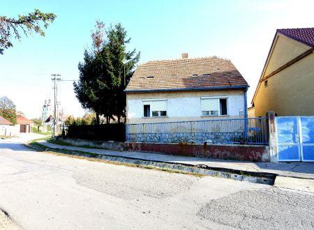 Exkluzívne v APEX reality 3i. RD v Modranke, poz. 262 m2, pôvodný zachovalý stav