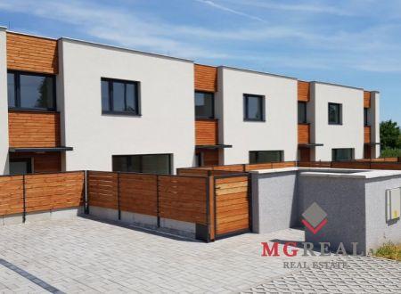 V Ružindole pri Trnave na predaj 4 izbové radové rodinné domy