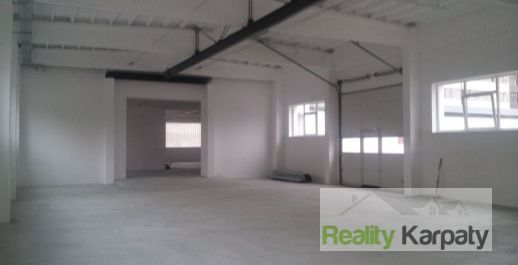 Na prenájom haly, sklady, garáže  výmere 150m2,2 x 200m2 a 450m2, lokalita Bratislava 3