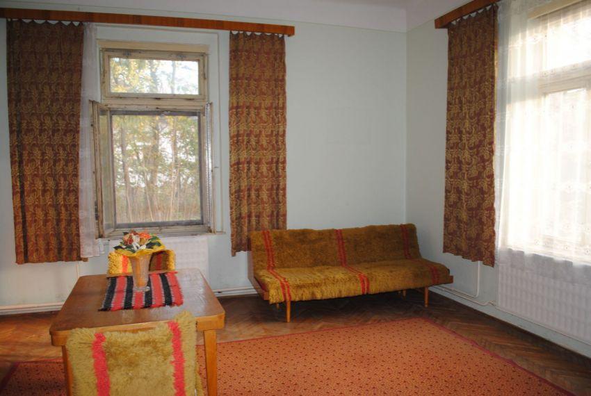 Predaj 4 izbový byt Pohronský Ruskov-1