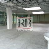 Presvetlený obchodno-administratívny openspace, aj s umývadlom, vhodný aj na služby, 103 m2