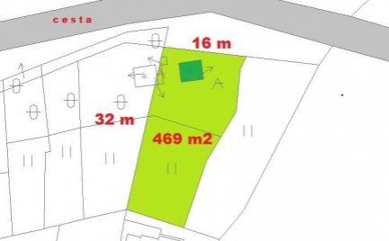 Rekreačná chata so sieťami a s pozemkom 469 m2, Tajov pri B. Bystrici,  - cena 62 000 €