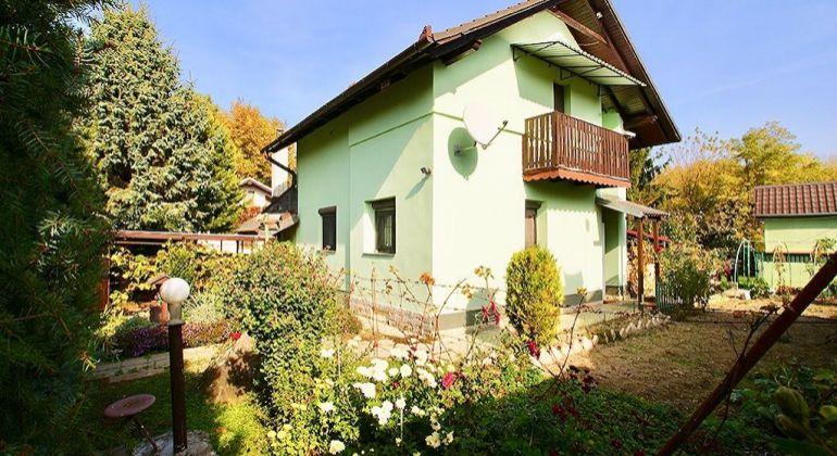 4-izbová rekreačná chata vhodná na celoročné bývanie - Hamuliakovo