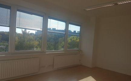 na prenájom 4 kancelárie v Ružinove  na Drieňovej ulici.