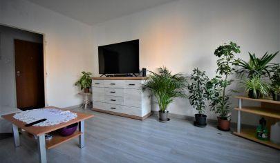 Veľký 3 izbový byt na predaj s balkónom blízko centra v Komárne