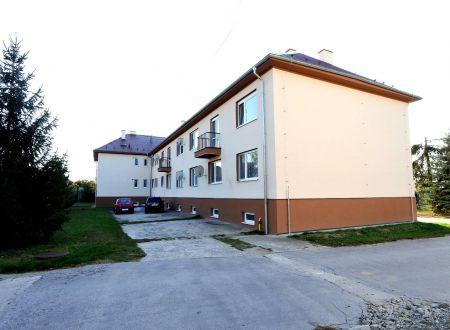 Exkluzívne v APEX reality zariadený 2i. byt po rekonštrukcii, garáž, záhradka, 67 m2, Madunice