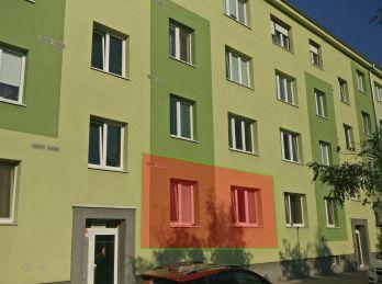 3 izbový tehlový byt Sereď Čepeňská ul.