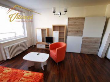 REZERVOVANÝ- EXLUZÍVNE  1 izbový, zariadený byt po rekonštrukcii, Jantárová ul.