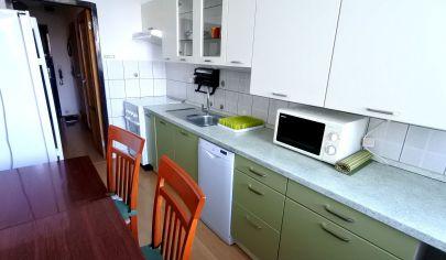 Exkluzívne APEX reality prenájom zariadeného 4i. bytu na M. Bela v Hlohovci, 84 m2, balkón