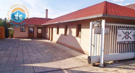 Iba u nás na predaj polyfunkčná budova s prevádzkami, 861 m2, Nemšová, Mierové námestie