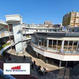 RK Byty Bratislava ponuka na prenájom obchodný priestor v OD Slimák, Hálkova, BA III