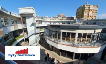 Províziu RK neplatíte!!! RK Byty Bratislava ponúka na prenájom obchodné priestory 86m2 v OD Slimák, Hálkova, BA - Nové Mesto.