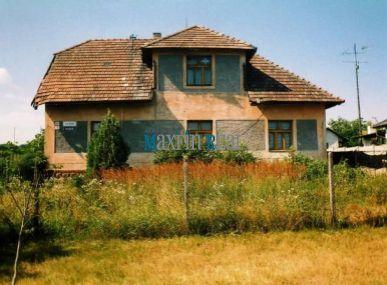 MAXFIN REAL - Na predaj rodinný dom s 50 ár.zahradou v obci Gbelce okr.N.Zamky.