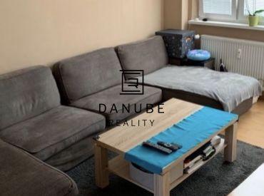 Predaj 4-izbový kompletne zrekonštruovaný byt v Bratislave-Vrakuni na Toplianskej ulici.