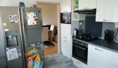 MARTIN rekonštruovaný 4 izbový byt 96m2 s balkónom, Priekopa