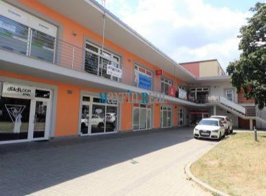 MAXFIN REAL ponúka - komerčné priestory priamo v centre mesta Senica
