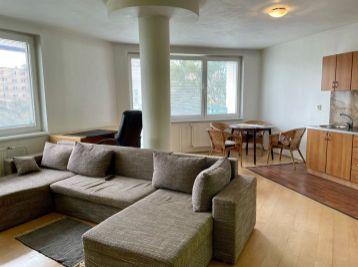 BA II. Vrakuňa - 2 izbový zariadený byt na Bebravskej ulici